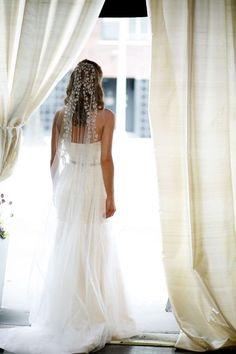 véu de noiva delicado com bordados
