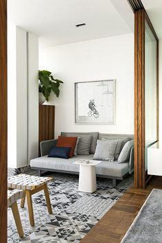 El piso de la terraza hace juego con los mosaicos de la cocina. | Galería de fotos 11 de 17 | AD MX