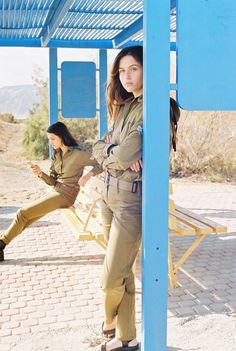 In Between The Daily Routines Of Female Israeli Soldiers – iGNANT.de