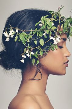 Flowers In Hair Photography Pictures Trendy Ideas Profile Photography, Photography Poses Women, Hair Photography, Amazing Photography, Photography Flowers, Photography Ideas For Teens, Creative Portrait Photography, Flower Girl Pictures, Face Profile