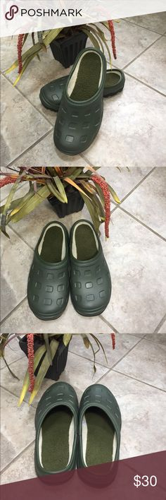 Land's End garden shoes Brand new, never worn soft fleece lined hard rubber like garden/rain/outdoor slip on clogs. From smoke free home in pristine condition Lands' End Shoes Mules & Clogs