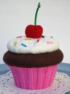 FELT CUP CAKE - Buscar con Google