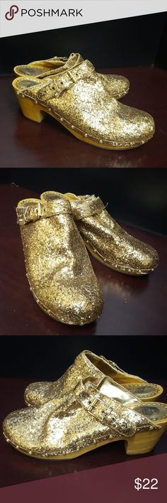 Juicy Couture Gold Glitter Clogs Authentic Juicy Couture Gold Glitter clogs. Juicy Couture Shoes Mules & Clogs