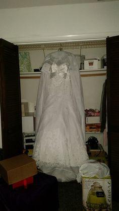 James Clifford 'J21266' Size 12 New Wedding Dress - Nearly Newlywed
