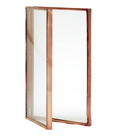 Fragrant candles, elegant glassware and stylish storage – it's all in the details. Copper Photo Frame, Glass Photo Frames, Copper Frame, Picture Frames, Pot Storage, Copper Decor, Copper Glass, M Photos, Pictures
