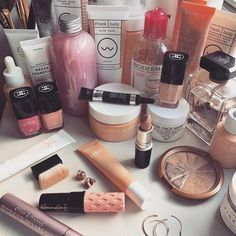 It's a pink world. Elle Woods, Beauty Book, Peach, Pink, Instagram, Prunus, Pink Hair, Peaches, Roses