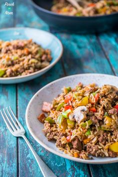 This Cajun Dirty Rice is our new and improved, slimming friendly version of one of our most popular recipes this year! You could call this. Clean Eating Recipes, Healthy Dinner Recipes, Healthy Eating, Cooking Recipes, Budget Recipes, Rice Recipes, Cooking Ideas, Healthy Food, Dirty Rice Slimming World