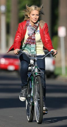 Stephanie Pratt rides a bike  cycling Girls Mac b7a4e63b56030