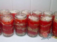 Nejlepší zásoba na zimu. Nakládaná rajčata se zelím a mrkví. | NejRecept.cz Home Canning, Kimchi, Salsa, Mason Jars, Strawberry, Food And Drink, Pizza, Menu, Pudding