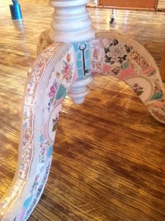 Mosaic Table Legs of Recycled Vintage China by Brenda Mason (Quick mosaic tips: Use Leponitt glass mosaic cutters. Use only sanded grout. Seal the wood base and the grout.)
