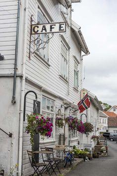 Norske kyststeder blir ikke finere enn Sogndalstrand i Dalane. Les mer om stedet på bloggen. Street View, Travel, Viajes, Destinations, Traveling, Trips