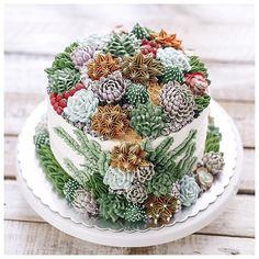 Terrarium 3D vines buttercream cake