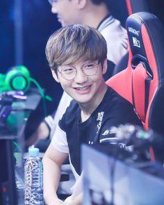 ทำไมน่ารักแบบนี้ล่ะน้าาา #HanWangHo.  insta topsy.one