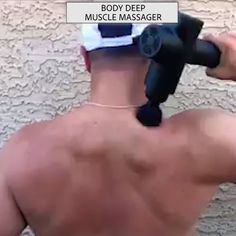 Are you suffering from pain or joint soreness? This personal handheld massager gun helps you overcome muscle soreness, relieve body fatigue, combat stiffness and spasms. Just enjoy the deep tissue mas Muscle Pain, Muscle Soreness, Therapist Office, Physical Therapist, Love Handle Workout, Body Joints, Sport Fitness, Health Fitness, Muscle Tissue