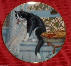 Vtg Lowell Davis Company's Coming Cat Plate Schmid 1982 Kitten  Cherry Pie Dish