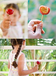 Memelos (Lollipops filled with coconut fudge)