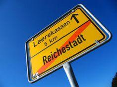 Bildergebnis für arme menschen reiche menschen Signs, News, Blog, First Aid, Photo Illustration, Wish, People, Germany, Shop Signs