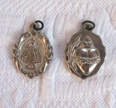 Vintage Religious Medals /  Infant of Prague Medals by vintagous on Etsy