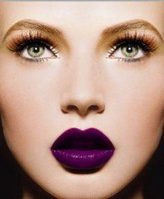 chica labios color ciruela