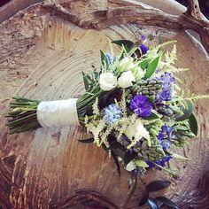 Todo listo para el gran día de Cathrine& Øystein 02.06.2017 💟 boda 3/5 #wedding #flowershopsitges #floristeriasitges #weddingflowers #flowerscrown #bouquetwedding #ramodenovia #livingwithflowerseveryday #floristeriasitges #sitgeswedding #sitges