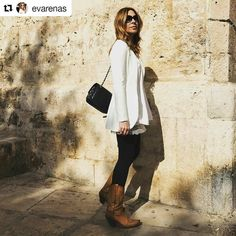 Winter sun & cowboy boots by @evarenas  #sendra #sendraboots #highquality #handmadeboots #madeinspain #loveboots #fashionboots #fashion #design #trend #look #streetstyle #style #outfit #ootd #outfitoftheday #bestoftheday #photooftheday #picoftheday #girl #woman #love