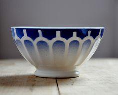 love blue and white china ;)