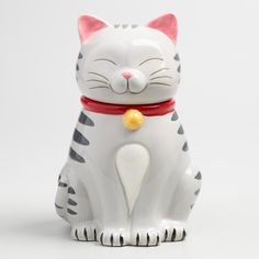 Crafted of ceramic, our exclusive kitty cat treat jar is a whimsical addition to the kitchen counter with an airtight lid to keep your baked goods fresh. Details: - Crafted of stoneware - Airtight gas