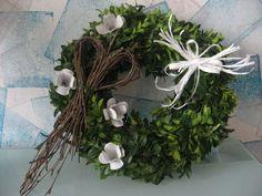 Jarní věneček Deco Wreaths, Easter Crafts, Grapevine Wreath, Grape Vines, Diy And Crafts, Seasons, Spring, Home Decor, Flowers