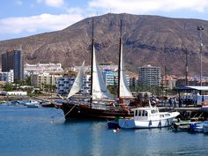 Los Cristianos harbour, Tenerife by Snapjacs, via Flickr
