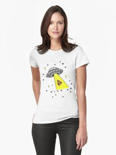 You love science fiction and pizza? Then we have the ultimate t-shirt for you. A UFO kidnapping a pizza with its tracktor beam.