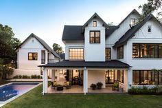 33 rustic farmhouse exterior design ideas in 2019 house дом Tudor House, Modern Farmhouse Exterior, Farmhouse Design, Rustic Farmhouse, Farmhouse Architecture, Building Architecture, Farmhouse Style, Style At Home, Exterior Tradicional