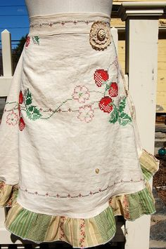 Half apron made with vintage fabric
