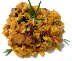 Este arroz con sepia y pulpo es una receta con el pleno sabor a mar que le aportan la sepia, el pulpo y un sabroso caldo de pescado, que impregnan todo el arroz.