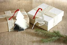 Cute way to wrap your Christmas presents!