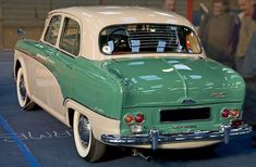 """Austin A105 Westminster 1956 rear view """"cow hips"""" model Classic Cars British, Great British, Old Vintage Cars, Old Cars, My Dream Car, Dream Cars, Austin Cars, Old Lorries, Westminster"""