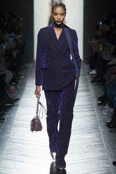 Bottega Veneta Fall 2016 Ready-to-Wear Fashion Show - Karly Loyce