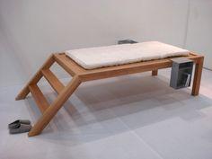 Air Design Group: Bett auf Podest