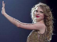 Resultados de la Búsqueda de imágenes de Google de http://www.alltaylorswift.com/getattachment/cd0ababc-73bc-48d7-bf0e-d92c0382cafc/Taylor-Swift-debuts--Sparks-Fly--video----Straight.aspx%3Fwidth%3D610