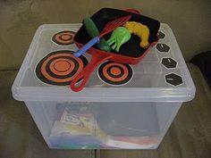 Make your own kitchen prop box! Diy Play Kitchen, Toy Kitchen, Play Kitchens, Kitchen Stove, Camper Kitchen, Kitchen Items, Diy For Kids, Crafts For Kids, Diy Crafts