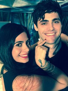 Isabelle Lightwood (Emeraude Tuobia) and Alec Lightwood (Matthew Daddario) BTS Shadowhunters
