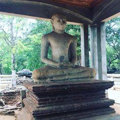 Exploring the magnificent Ancient City of Anuradhapura ❤️ #wanderlustlama #anuradhapura #ancientcity #srilanka #stupa #budhism #boditree #exploresrilanka