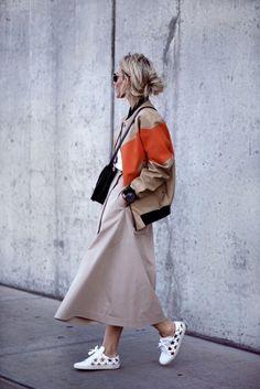 Bomberjacken lässig gestylt #streetstyle More Styles on http://www.cocos-philosophy.de