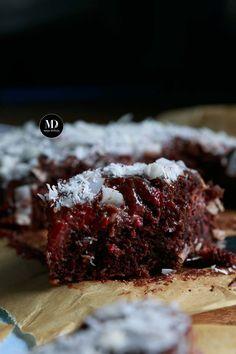 Czekoladowe ciasto kokosowe z malinami bez miksera | Moja Delicja