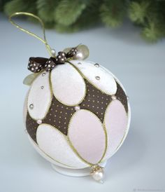1 million+ Stunning Free Images to Use Anywhere Quilted Christmas Ornaments, Fabric Ornaments, Ornaments Design, Christmas Sewing, Diy Christmas Ornaments, Christmas Wreaths, Xmas Tree Decorations, Handmade Christmas Decorations, Handmade Ornaments