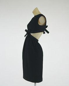 Yves Saint Laurent: Cocktail ensemble (1977.115.17a,b) | Heilbrunn Timeline of Art History | The Metropolitan Museum of Art
