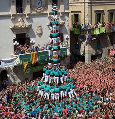 3 de 10 castellers de Vilafranca. Sant Felix 2014