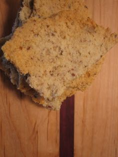 Discovering the Extraordinary: Zippy Garlic Crackers (grain free)