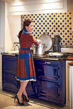 New York Design Hunting - Nicola Kotsoni's Mediterranean Kitchen -- New York Magazine Traditional AGA cooker Kitchen Mantle, Aga Kitchen, Kitchen New York, Country Kitchen, Kitchen Ideas, Kitchen Design, Aga Surround, British Racing Green, Electric Aga
