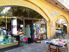 BERLIN, Bücherbogen, Savignyplatz. ... eine Institution für alle, die Bücher  über Kunst, (Garten-, Innen-) Architektur,  Design, Fotografie, Tanz, Theater, Kunsthandwerk ... LIEBEN. :-)