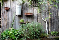 Diy tuin schutting low budget Outdoor Structures, Garden, Budget, Hacks, Peace, Google, Garten, Thrifting, Cute Ideas